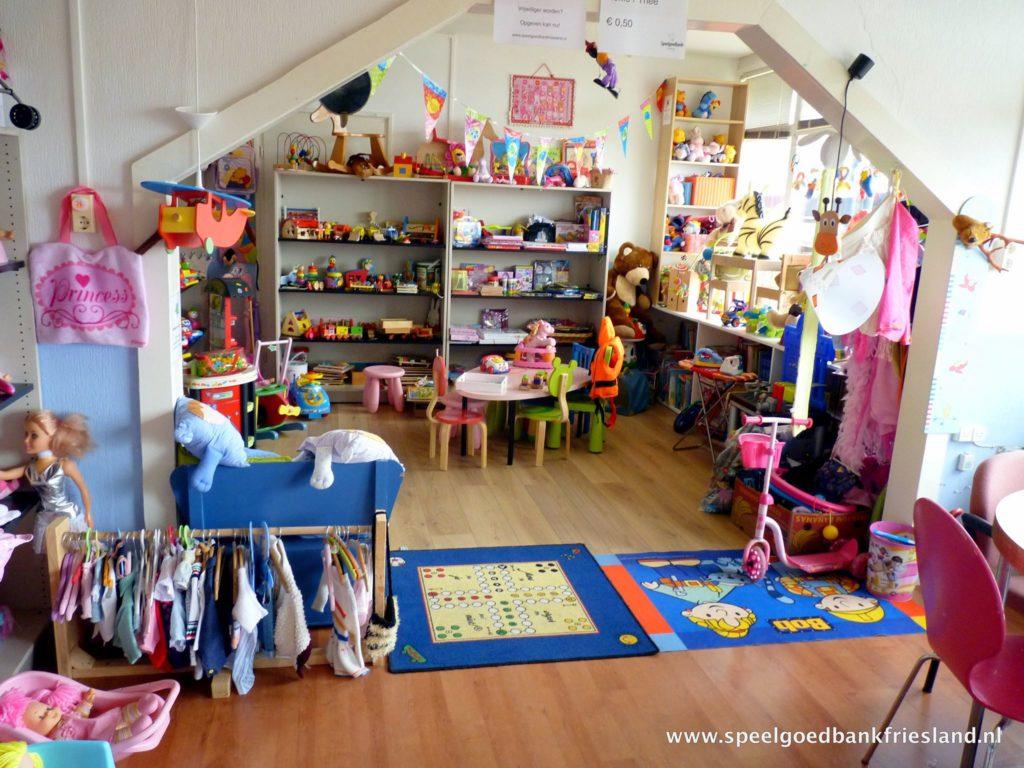 inrichting winkel speelgoedbank